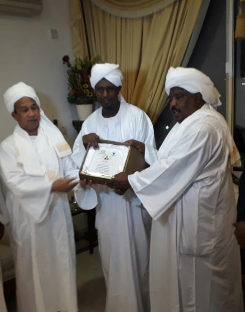 احتفاء السفارة السودانية والجالية السودانية بالدوحة بالروائي الفائز عمر فضل الله
