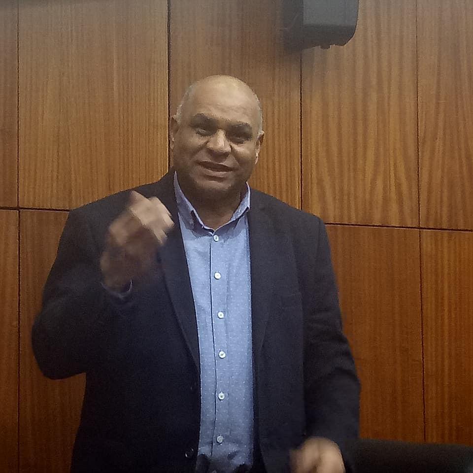 قصة نجاح الروائي والأديب السوداني الكبير الدكتور عمر فضل الله